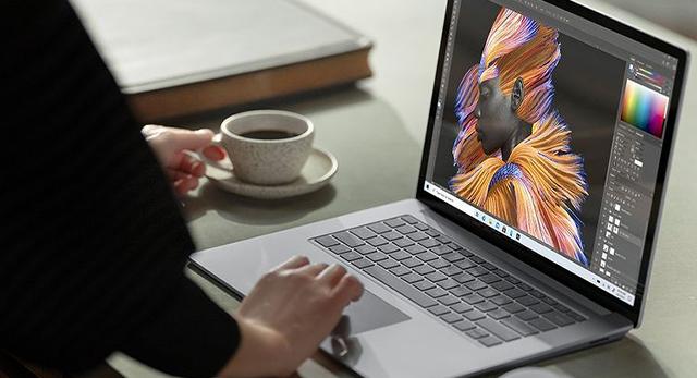 Microsoft Surface Laptop4 Save150 10.08.2021coffee