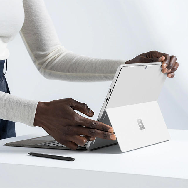 Microsoft Surface Pro8 LP 09.22.