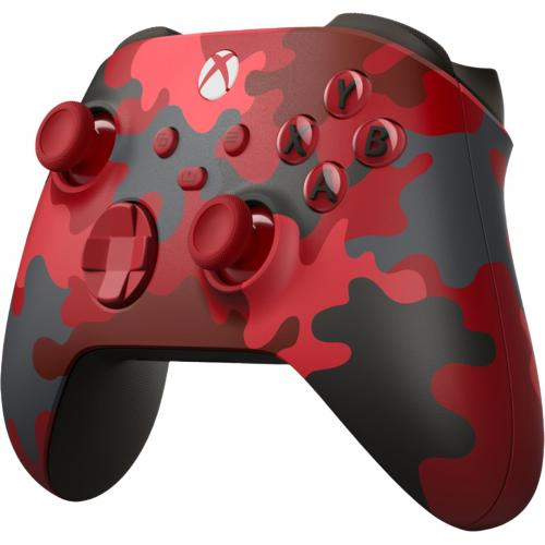 Xbox Wireless Controller Daystrike Camo   Wireless & Bluetooth Connectivity   New Hybrid D Pad   New Share Button   Featuring Textured Grip   Easily Pair & Switch Between Devices