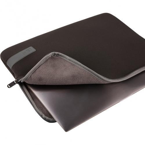 "Case Logic Reflect REFPC 114 BLACK Carrying Case (Sleeve) For 14.1"" Notebook   Black Alternate-Image1/500"