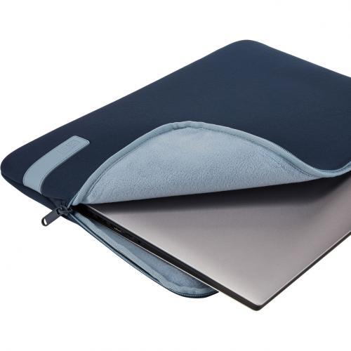 "Case Logic Reflect REFPC 114 DARK BLUE Carrying Case (Sleeve) For 14.1"" Notebook   Dark Blue Alternate-Image1/500"