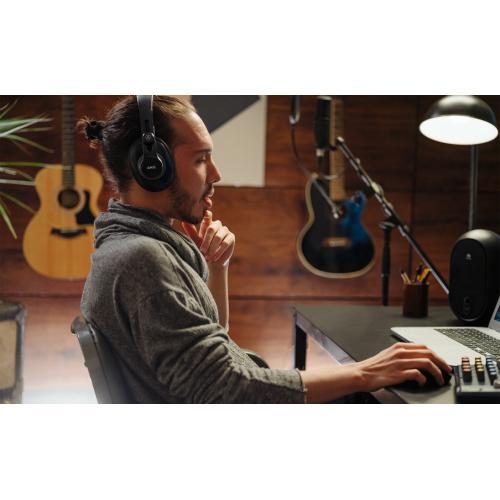 AKG K371 Over Ear, Closed Back Foldable Studio Headphones Alternate-Image2/500