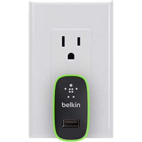 Belkin Universal Home Charger With Micro USB ChargeSync Cable (12 Watt/ 2.4 Amp) Alternate-Image4/500