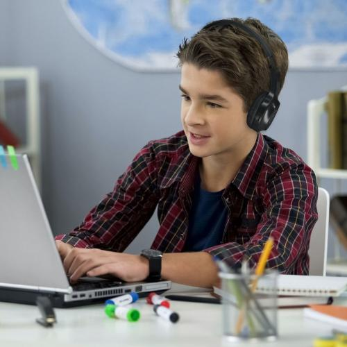 Morpheus 360 Tremors Wireless On Ear Headphones   Bluetooth 5.0 Headset With Microphone   HP4500B Alternate-Image5/500