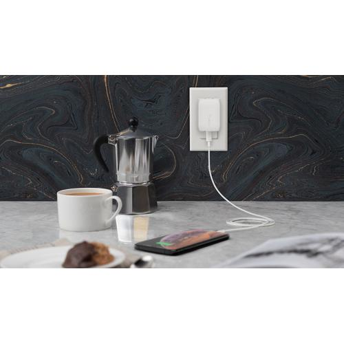 Belkin BOOST↑CHARGE USB C Wall Charger 18W + USB C To Lightning Cable Alternate-Image6/500