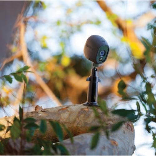 Arlo VMA1000 Camera Mount For Camera   Black Life-Style/500