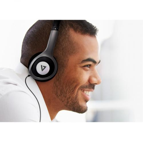 V7 Deluxe Stereo Headphones With Volume Control Life-Style/500