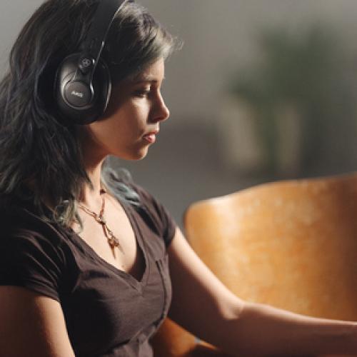 AKG K371 Over Ear, Closed Back Foldable Studio Headphones Life-Style/500
