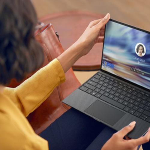 "Dell XPS 13 9300 13.4"" Notebook   Full HD Plus   1920 X 1200   Intel Core I5 (10th Gen) I5 1035G1   8 GB RAM   256 GB SSD   Platinum Silver, Black Life-Style/500"